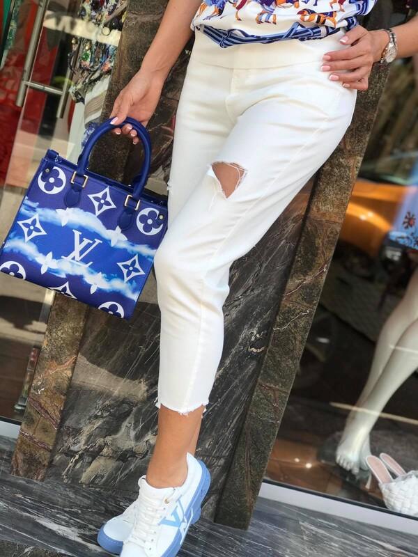 Дънков панталон в бял цвят