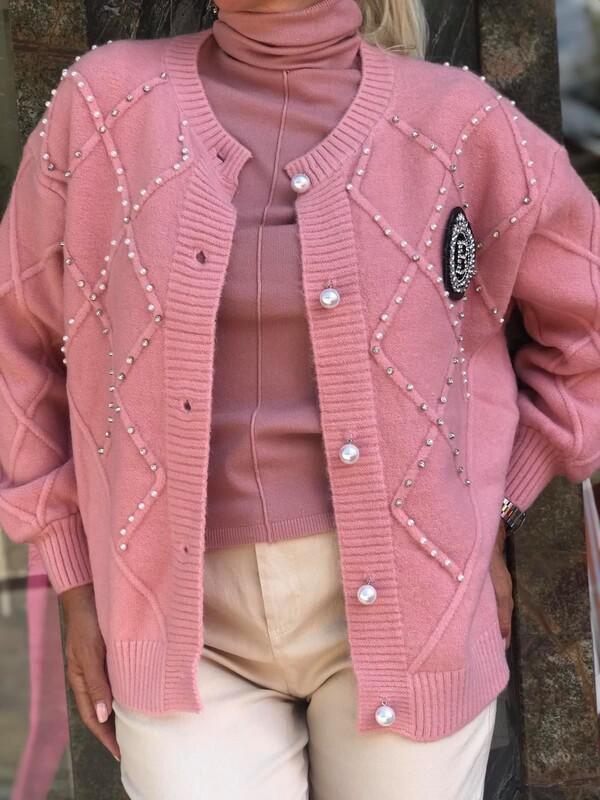 Жилетка в розово декорирана с перли