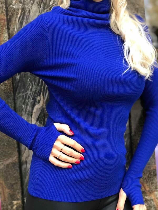Памучно поло в наситено син цвят